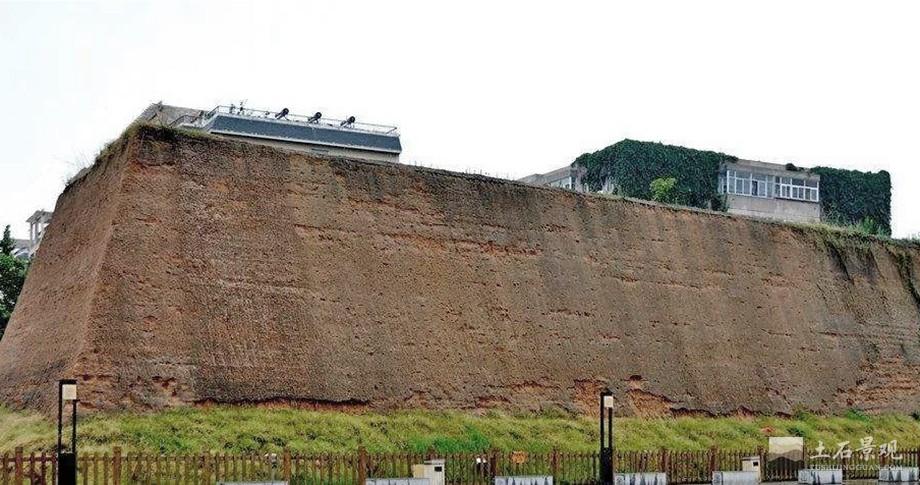 首座商代都城夯土墙
