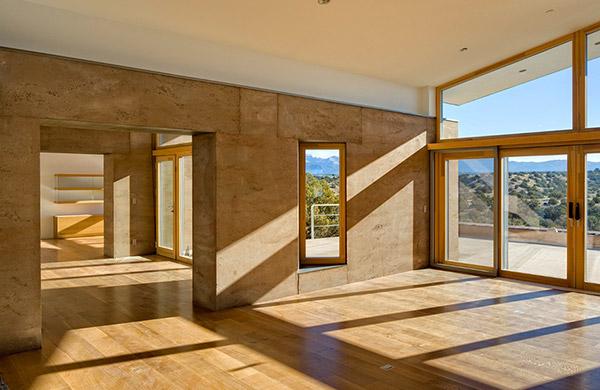 室内适合采用夯土墙吗