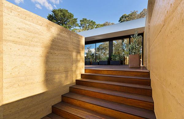 夯土墙建筑保温性能如何?