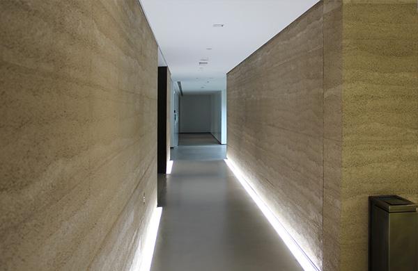 现代夯土墙